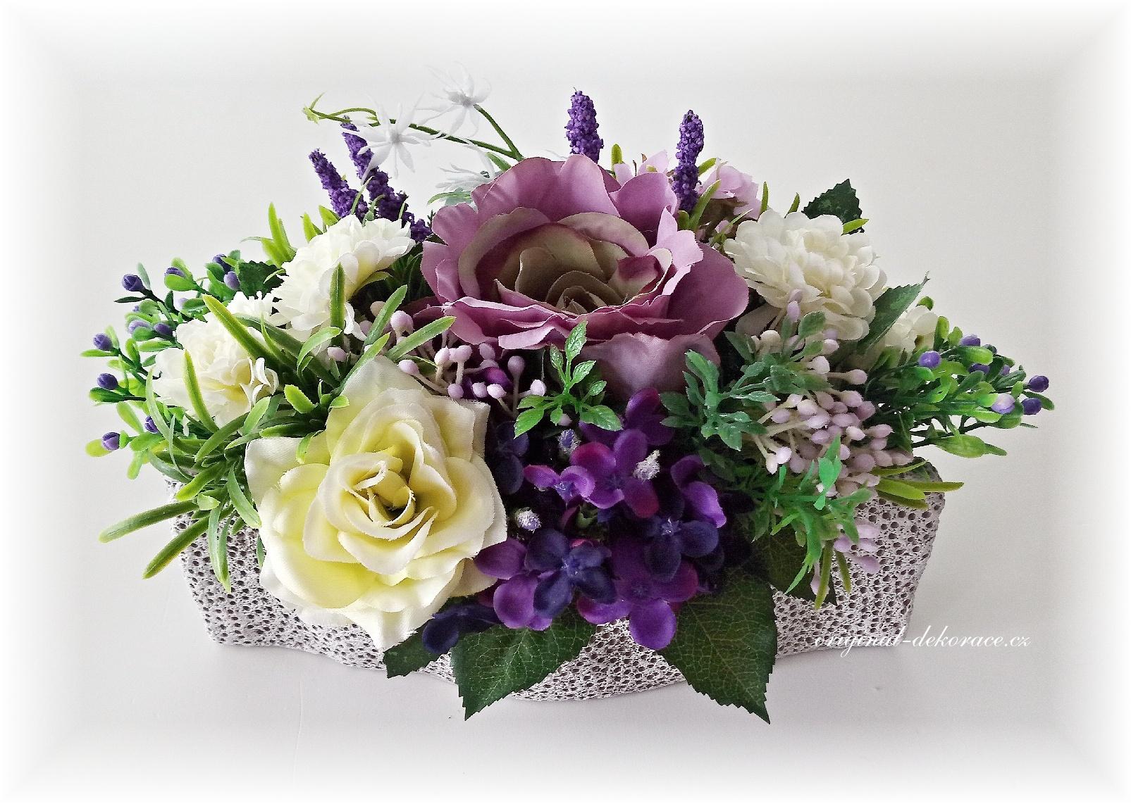 Celoroční dekorace na stůl z umělých květin - fialová  e7a8220583