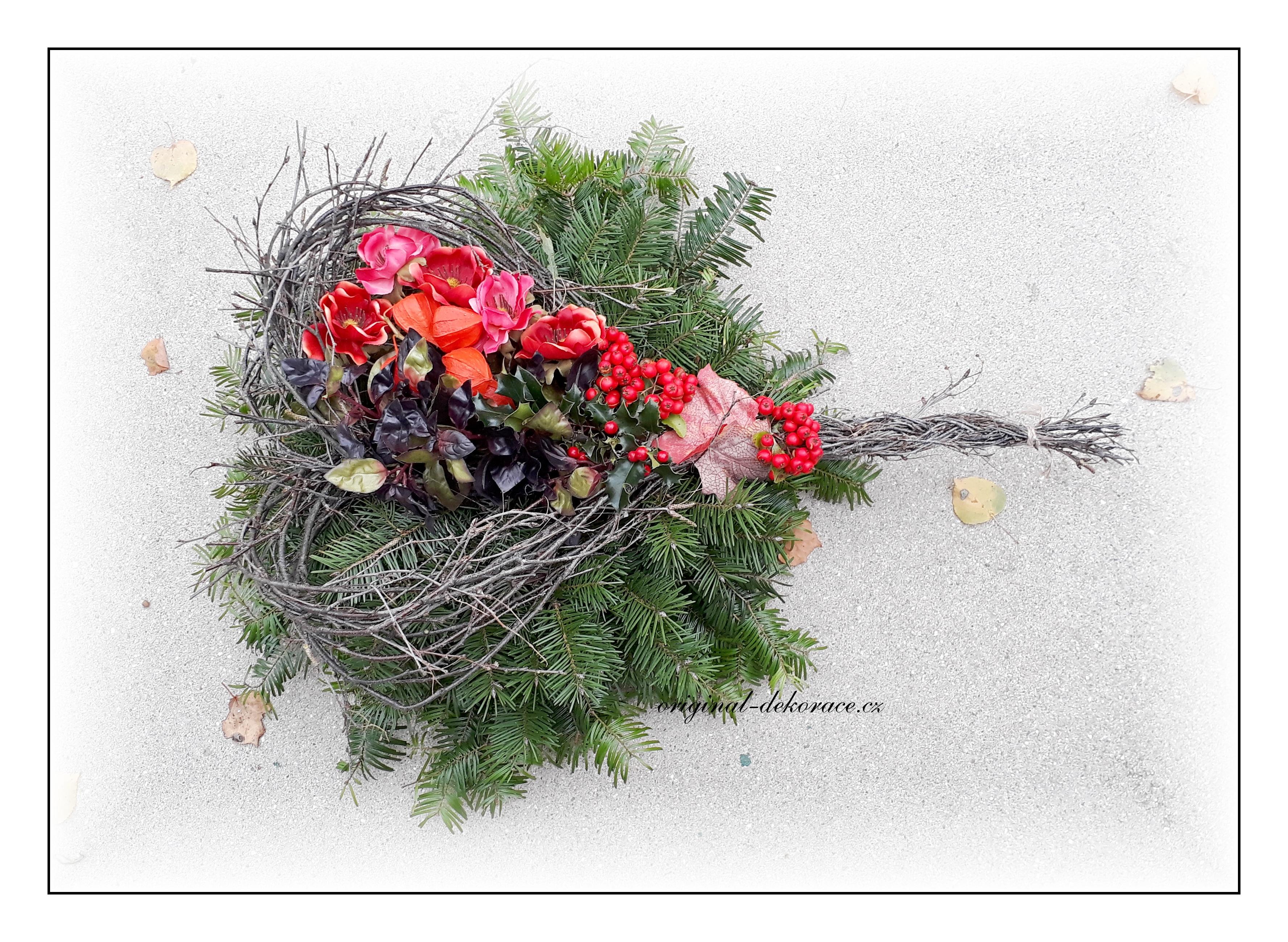 a19be4e89 Podzimní dekorace na hrob se srdcem   Originální dekorace, bytové ...